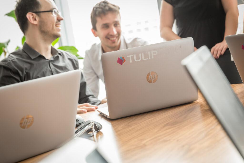 LOKÁLNÍ HR A DOCHÁZKOVÁ ŘEŠENÍ V KORPORACÍCH - tulip blog